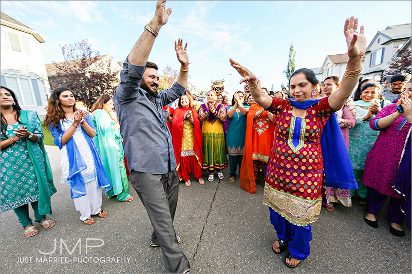 CALGARY-wedding-photographers-EAST-INDIAN-WEDDING-GRW-JMP-2015-09-03-G-191816.jpg
