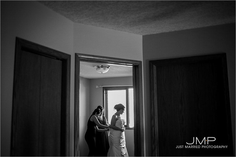 Edmonton-wedding-photographers-GKW-JMP135250.jpg