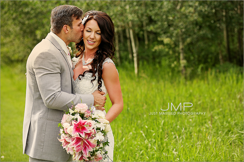 Edmonton-wedding-photographers-Edmonton-wedding-photographers-ABW-JMP165550.jpg